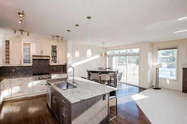 17 Cougar Ridge Close SW in Cougar Ridge Calgary MLS® #A1052088
