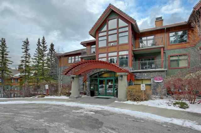 Homesteads real estate 384, 91B Three Sisters Drive in Homesteads Canmore