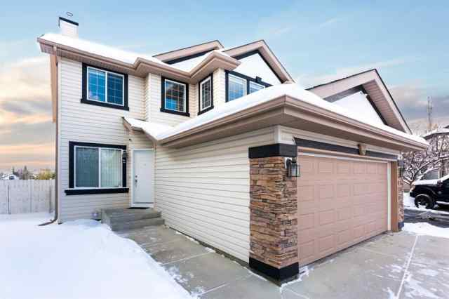 Somerset real estate 62 Somerside  Crescent SW in Somerset Calgary