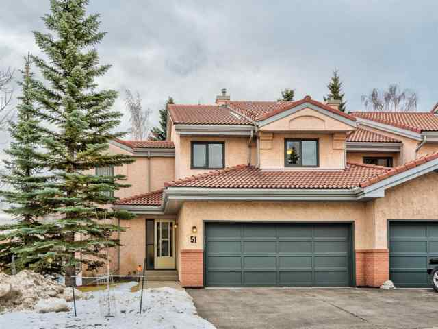 Patterson real estate 51 5810 Drive SW in Patterson Calgary