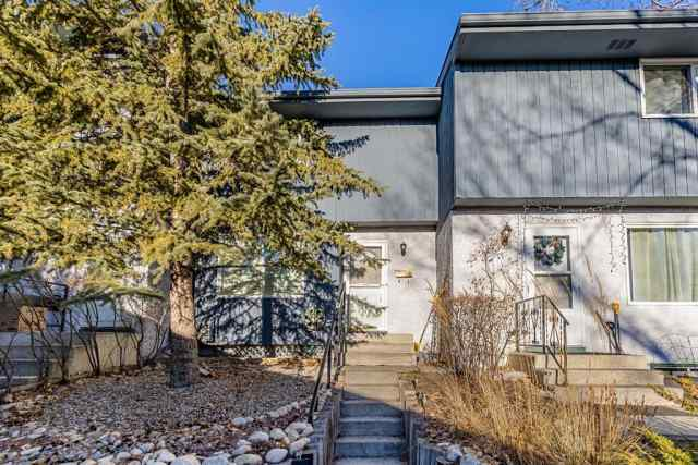 East End real estate 14, 800 Bowcroft Place in East End Cochrane