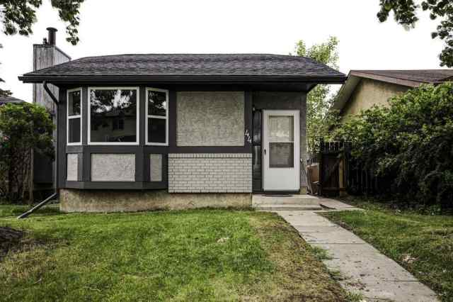 Abbeydale real estate 44 Abberfield Crescent NE in Abbeydale Calgary