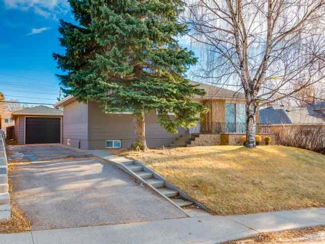 Collingwood real estate 68 Cawder Drive NW in Collingwood Calgary