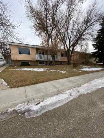 Unit-A & B-20 Chinook Crescent W in West End Brooks MLS® #A1054911