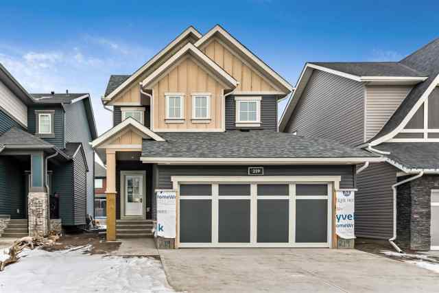 219 Kingfisher Crescent SE in Kings Heights Airdrie MLS® #A1055821