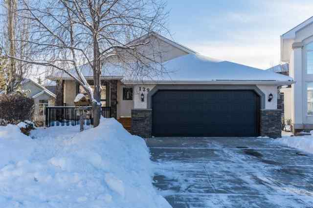 Evergreen real estate 129 Evergreen Place SW in Evergreen Calgary