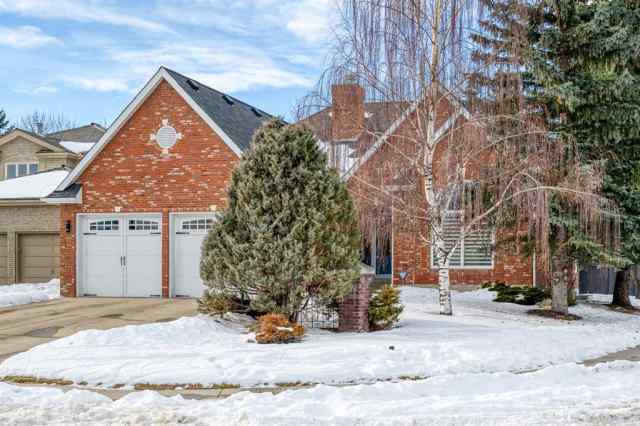 32 Christie Briar Heath SW T3H 2G5 Calgary