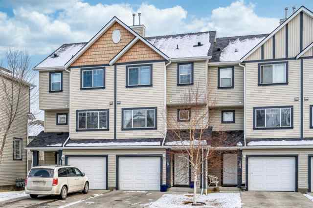 181 Everhollow Heights SW in Evergreen Calgary