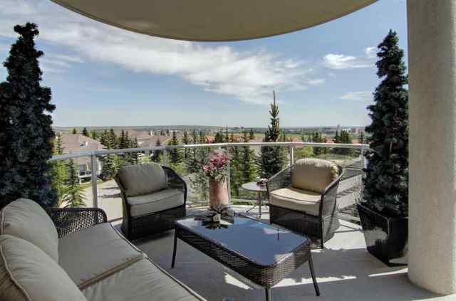 MLS® #A1057196 302, 200 Patina Court SW T3H 4E9 Calgary