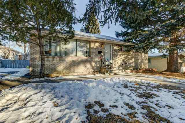 Highwood real estate 304 HENDON Drive NW in Highwood Calgary