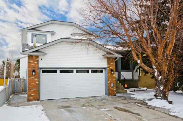26 Scenic Glen Close NW in Scenic Acres Calgary