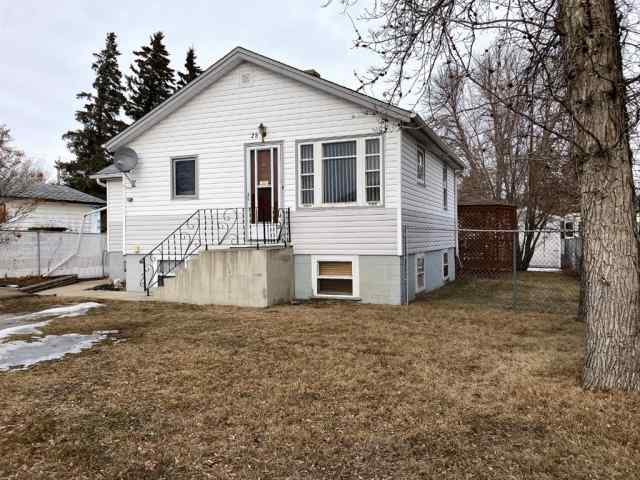 28 Oak Avenue W in Sunnylea Brooks MLS® #A1059671