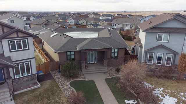 732 Mt Sundance  LANE W in Sunridge Lethbridge MLS® #A1059699