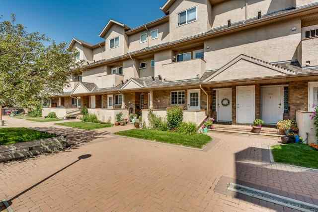 105, 438 31 Avenue NW in Mount Pleasant Calgary