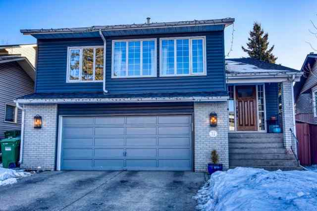 71 Edforth Way NW in Edgemont Calgary
