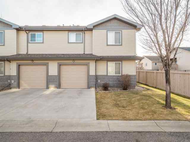 Copperwood real estate 6, 109 Silkstone Road W in Copperwood Lethbridge