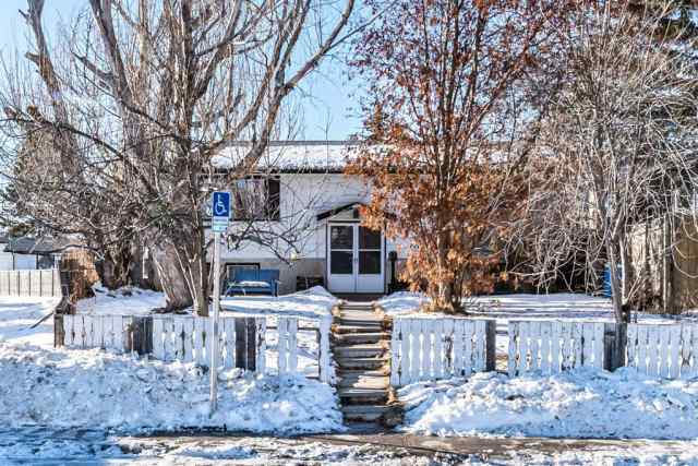 Dover real estate 3559 33 Street SE in Dover Calgary
