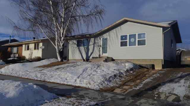 Mountview real estate 9208 108 Avenue in Mountview Grande Prairie