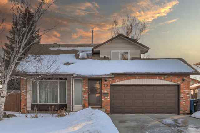75 Woodmont Crescent SW in Woodbine Calgary