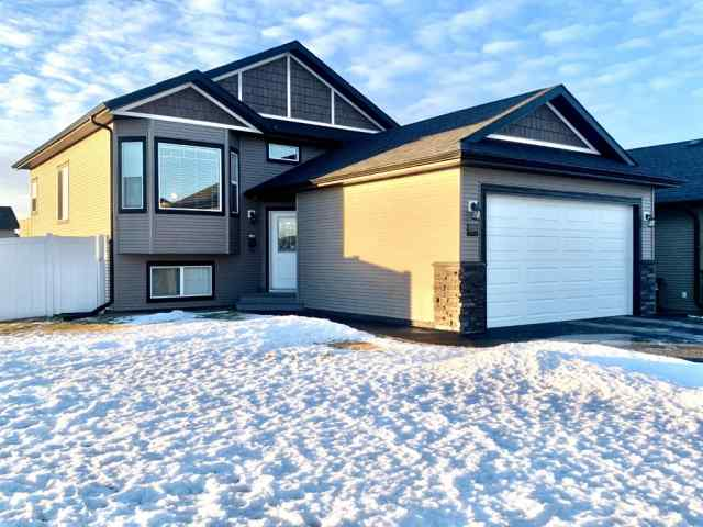223 Cedar Square  in Cottonwood Estates Blackfalds MLS® #A1061205