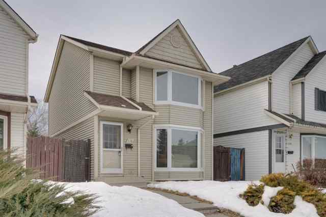 110 Queen Anne Close SE T2J 6E5 Calgary