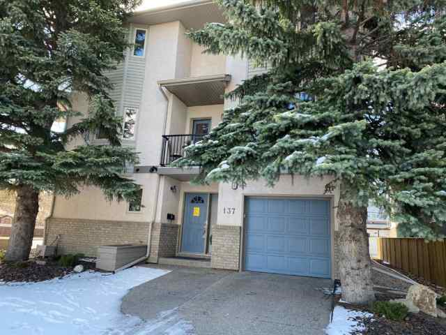 137 23 Avenue NE in  Calgary MLS® #A1061977