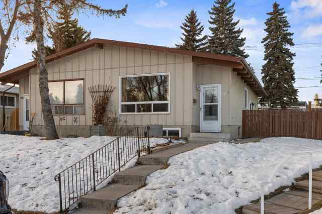 Acadia real estate 216A Allan Crescent SE in Acadia Calgary