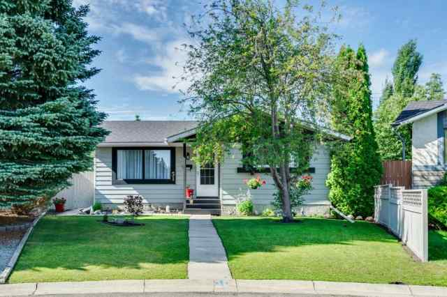 51 Deer Lane Place SE in  Calgary