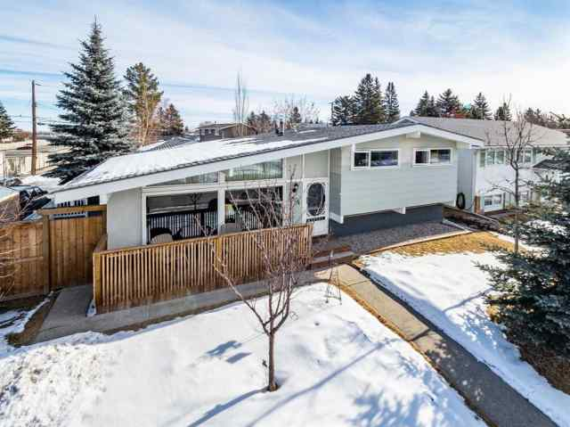 9904 MAPLECREEK Drive SE in  Calgary