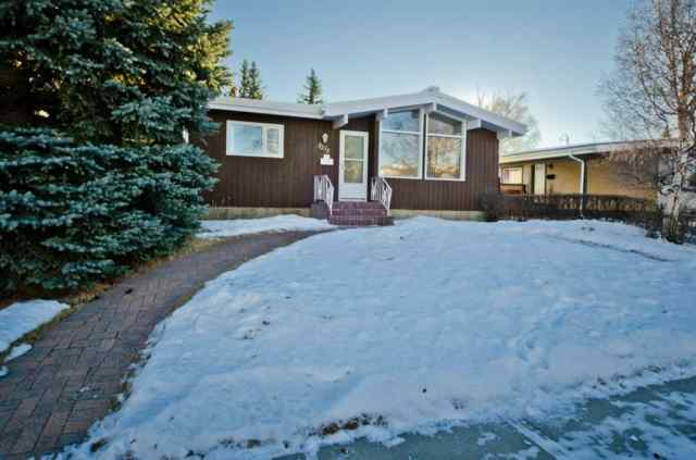 Varsity real estate 5215 44 Avenue NW in Varsity Calgary