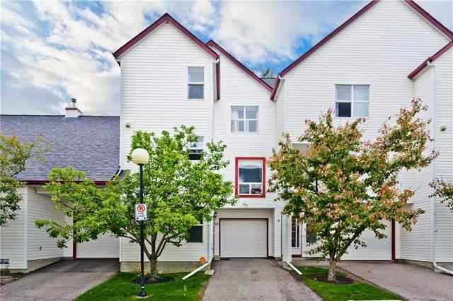 10, 200 HIDDEN HILLS Terrace NW in  Calgary MLS® #A1063167