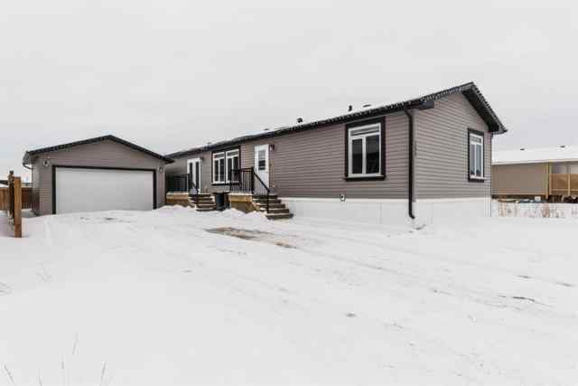 Beacon Hill real estate 153 Beardsley Crescent in Beacon Hill Fort McMurray