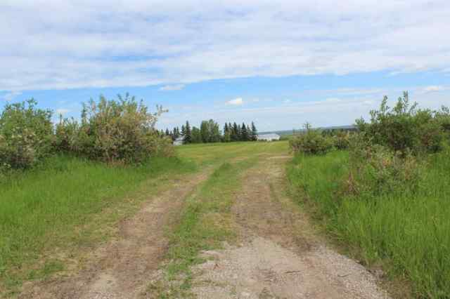 32200 Willow Way T4C 1A2 Rural Rocky View County