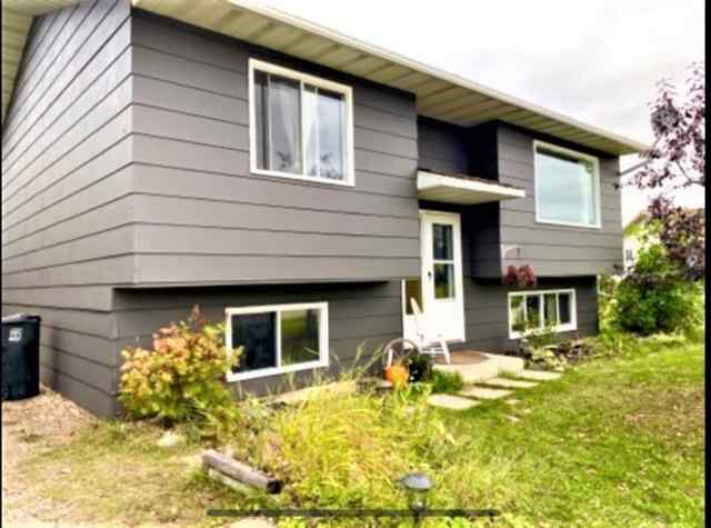 1113 6 Avenue W   in N/A Beaverlodge MLS® #A1063999
