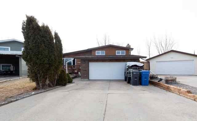 Indian Battle Heights real estate 22 Algonquin Bay W in Indian Battle Heights Lethbridge