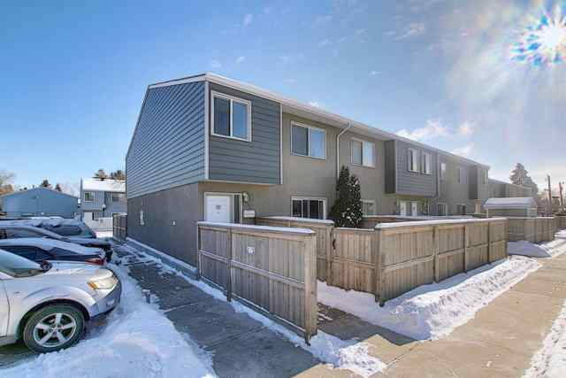 Acadia real estate 77, 219 90 Avenue SE in Acadia Calgary