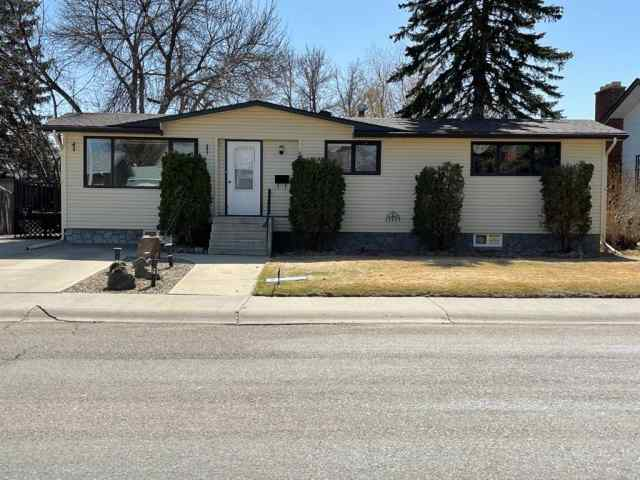 NONE real estate 4918 60 Avenue in NONE Taber