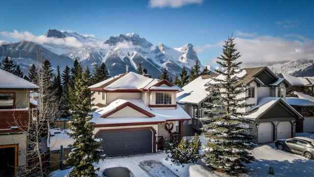 Avens/Canyon Close real estate 553 Grotto Road in Avens/Canyon Close Canmore