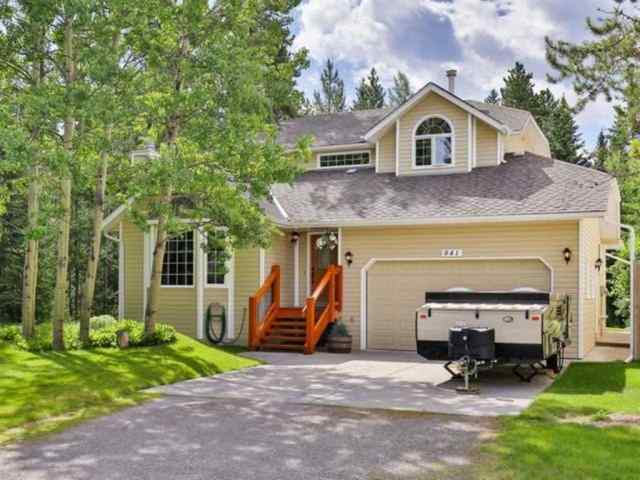 Lions Park real estate 841 14th Street in Lions Park Canmore