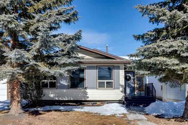 28 Woodglen Circle SW in  Calgary MLS® #A1072137