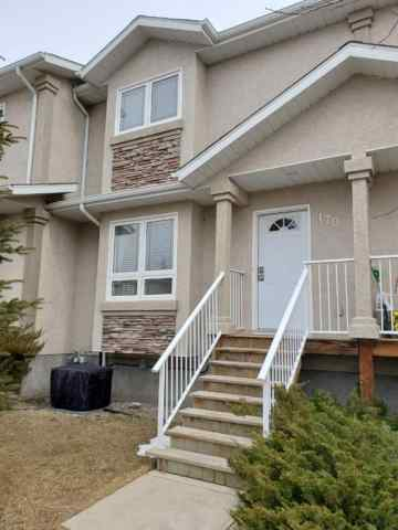 Uplands real estate 170 Lynx  Cove N in Uplands Lethbridge