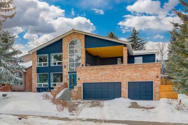 35 Patterson Drive SW in  Calgary MLS® #A1072626