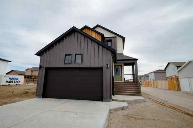 Garry Station real estate 1114 Pacific  Circle W in Garry Station Lethbridge