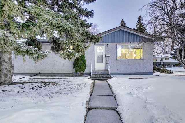 4 Rossburn Crescent SW in  Calgary MLS® #A1073335