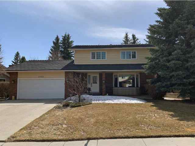 1023 Varsity Estates Drive NW in  Calgary MLS® #A1074000