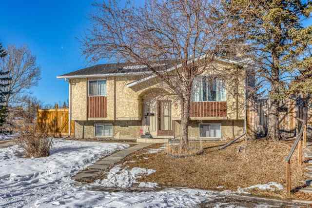 Forest Heights real estate 416 Fonda Court SE in Forest Heights Calgary