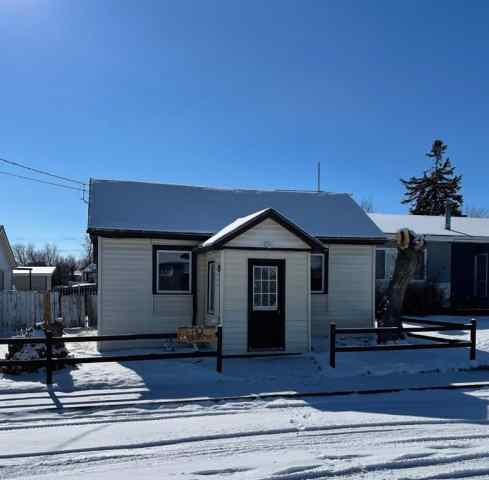 NONE real estate 134 22 Street in NONE Fort Macleod