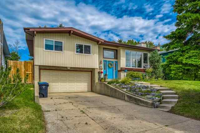 Dalhousie real estate 127 Dalhurst Way NW in Dalhousie Calgary