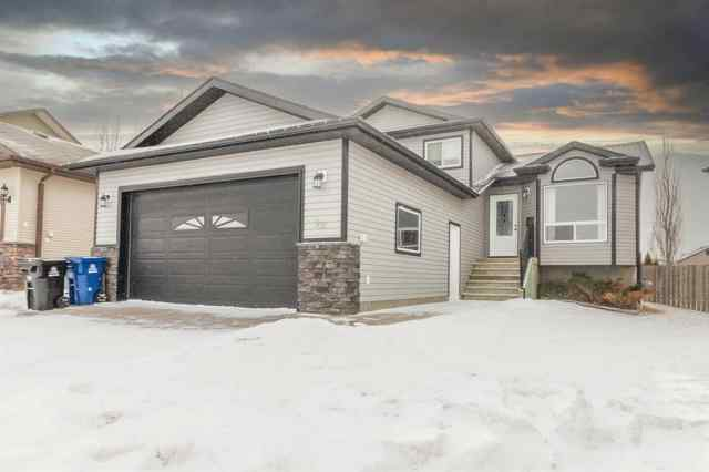 Harvest Meadows real estate 22 Sparrow Close in Harvest Meadows Blackfalds