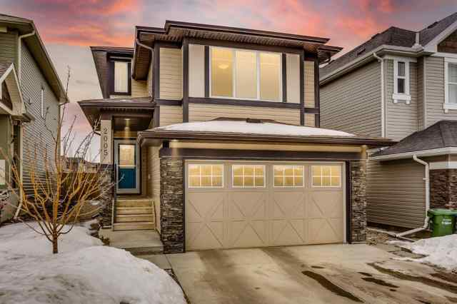 Hillcrest real estate 2005 Hillcrest Green SW in Hillcrest Airdrie